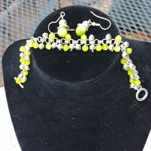 Jewelry - Chatruese lime green silver set